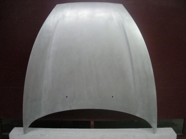 Prototipo Cofano battitura manuale